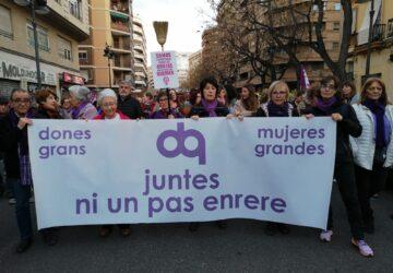 """Una marea violeta toma el centro de València y reclama """"feminismo para cambiar el mundo"""""""